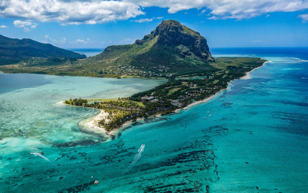 Mauritius suspends flights as Seychelles fully opens